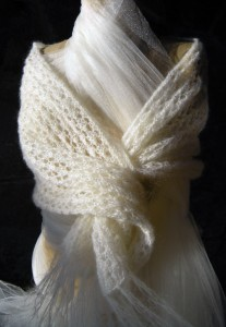 Juliet's Capulets Honeycomb Stole in Cream